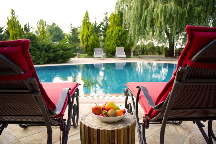 How to choose a Swimming pool – Main Aspects to Consider