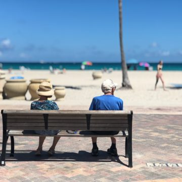How do People Abroad Live after Retirement?