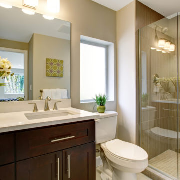 10 Ways to Make a Small Bathroom Look Bigger